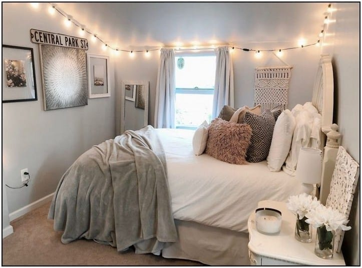 String lights lining the bedroom