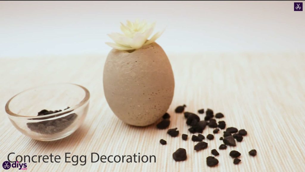 Concrete egg decoration
