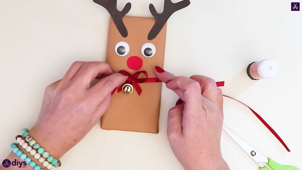 Diy reindeer gift wrap for christmas beautiful
