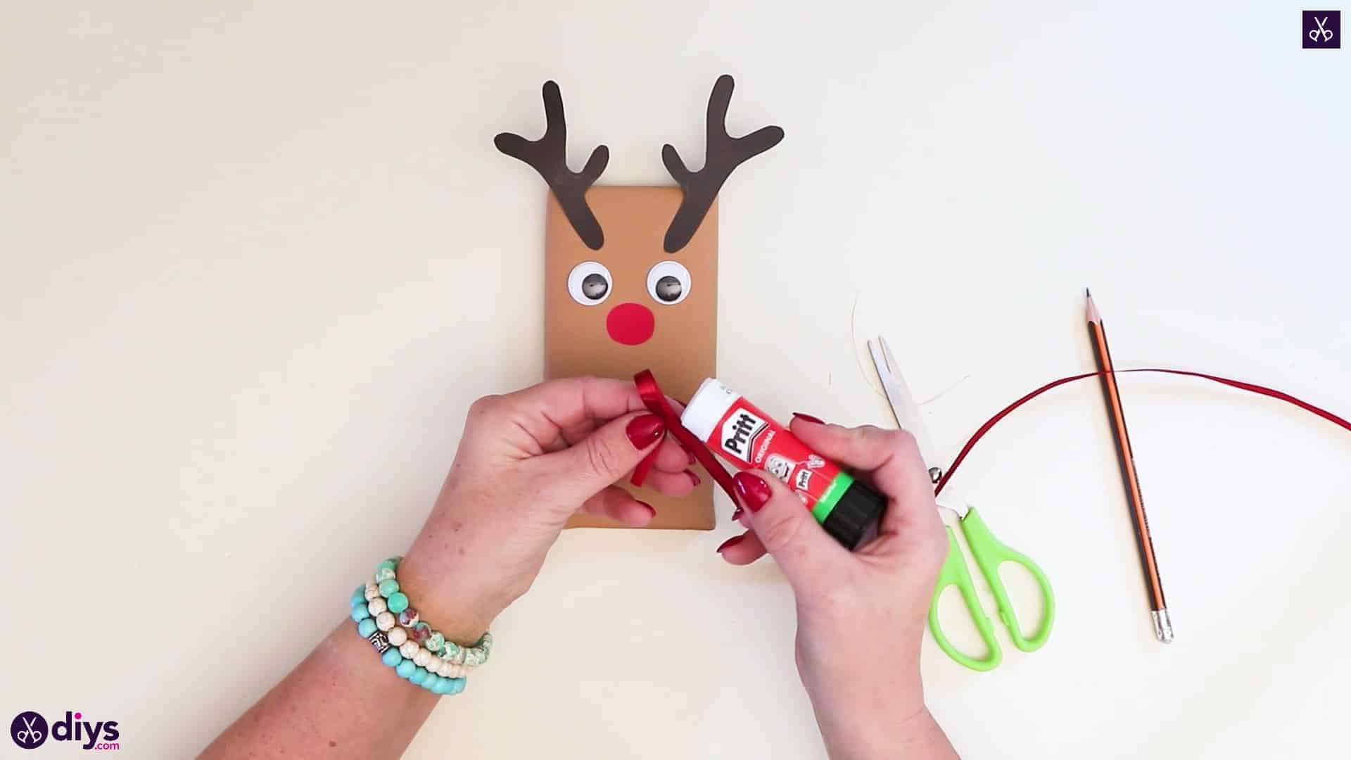 Diy reindeer gift wrap for christmas step 10