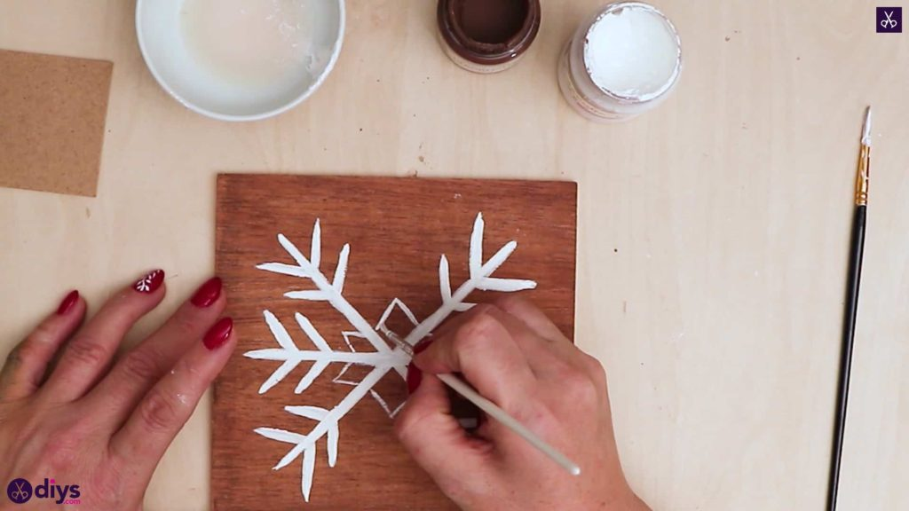 Diy snowflake art christmas decoration step 9