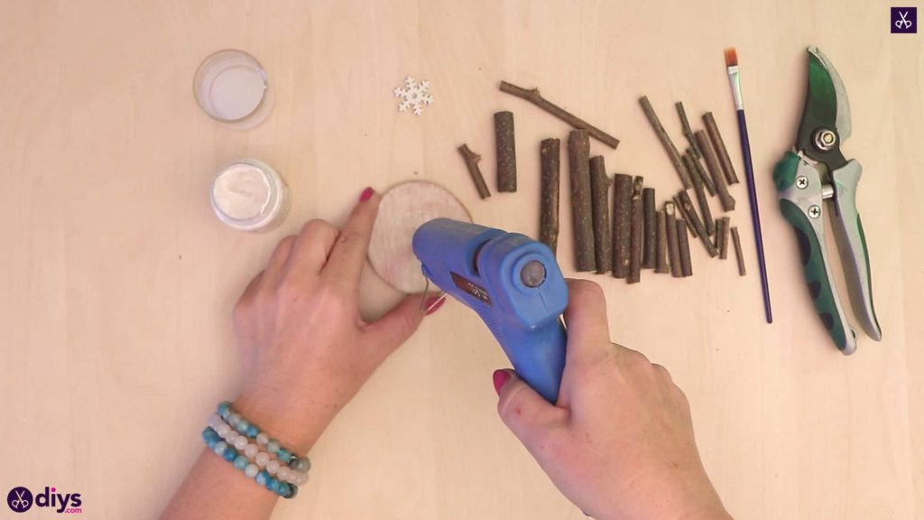 Diy twig christmas tree glue gun