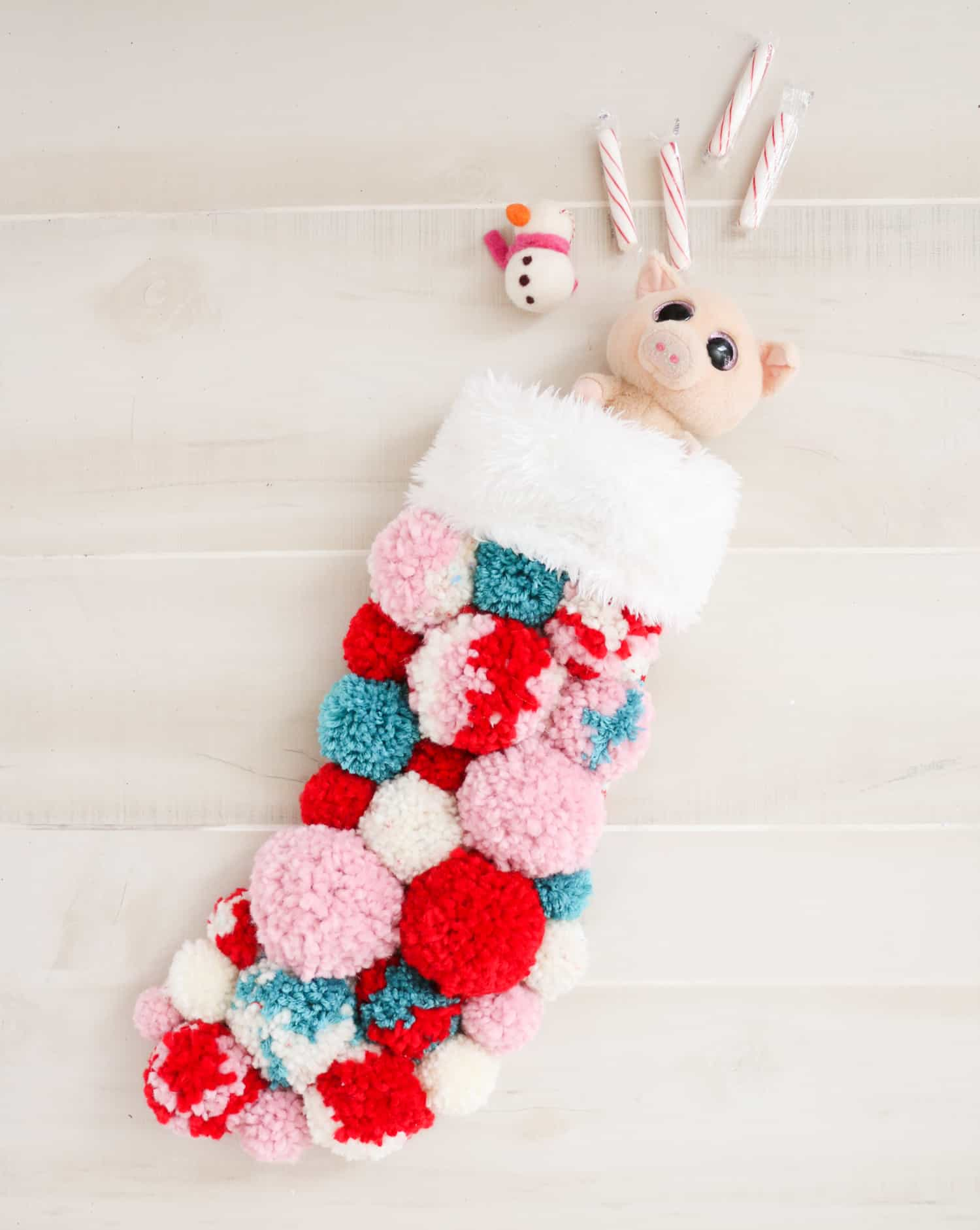 Diy pom poms stocking