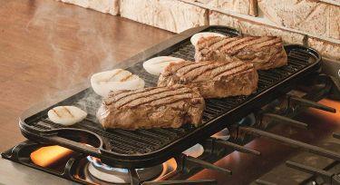 Lodge pro grid cast iron reversible pan