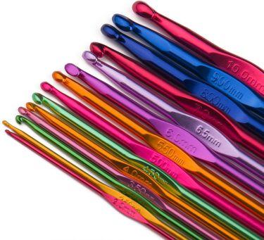Multi coloured aluminum handle crochet hooks by luxbon