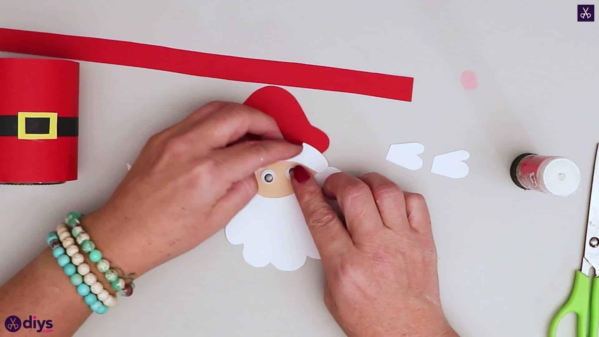Paper santa candy holder eye