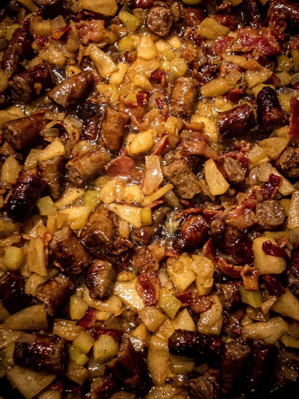Sausage apple stuffing thanksgiving turkey stuffing recipe