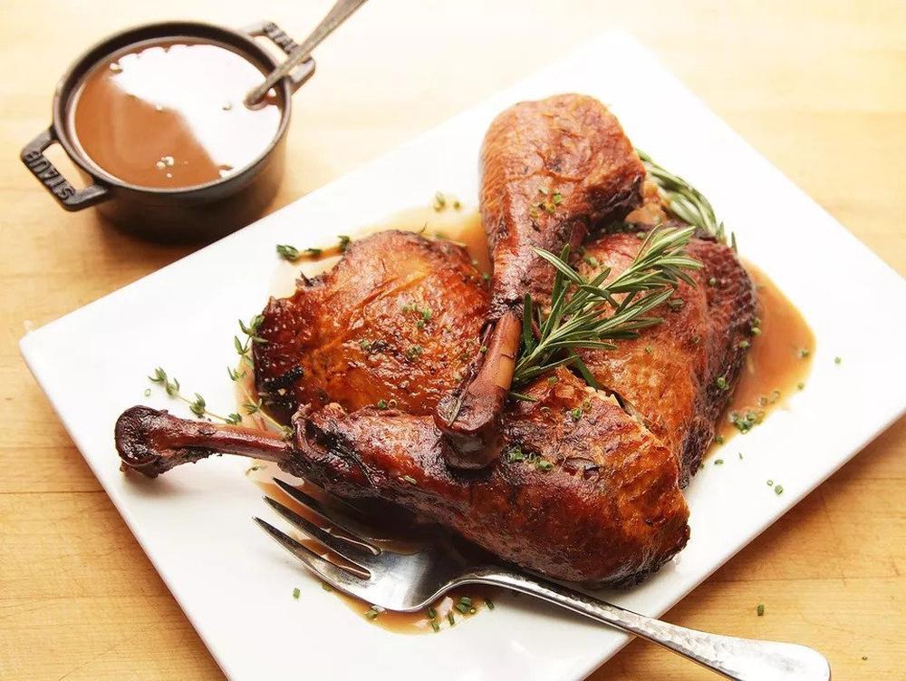 Turkey legs braised with red wine thanksgiving turkey recipe