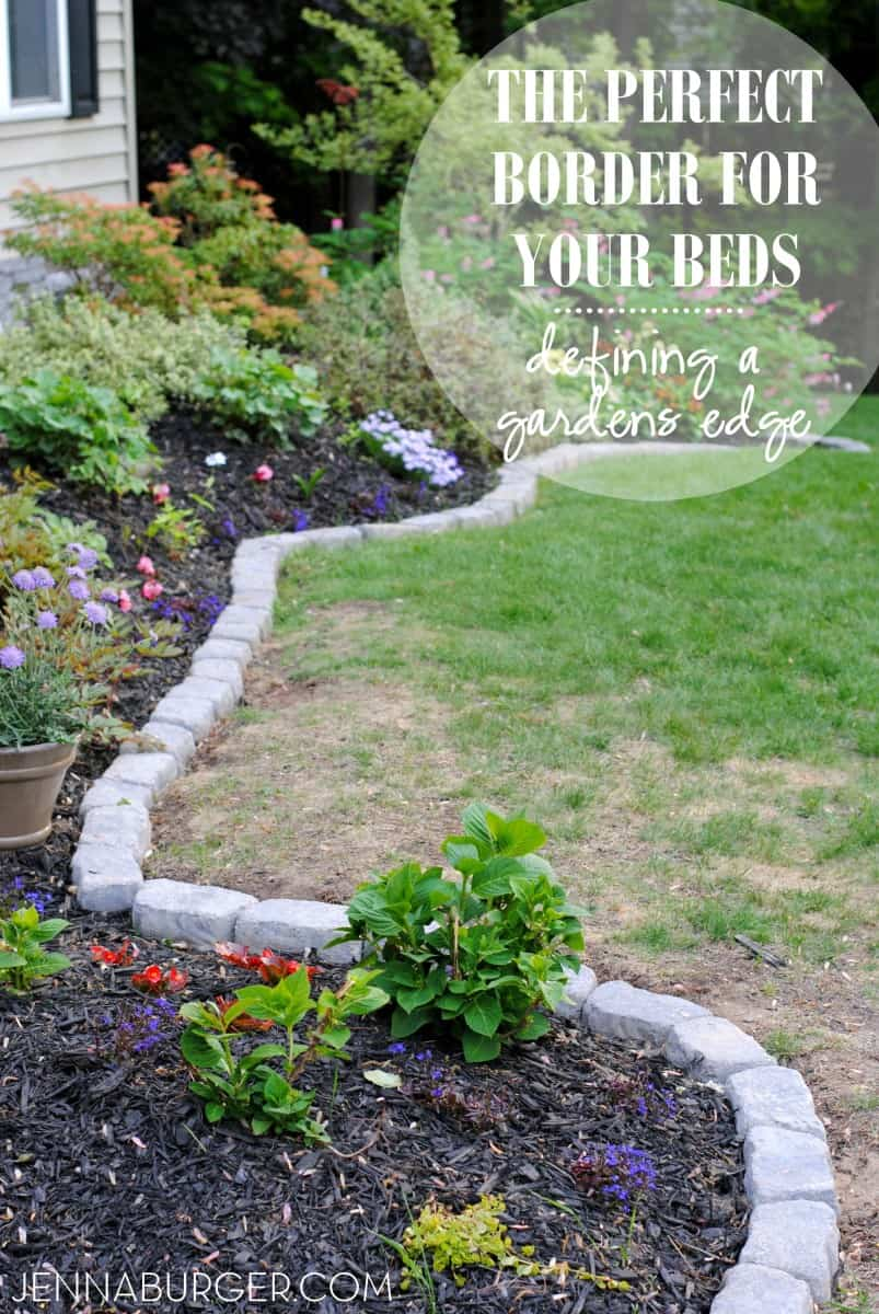 Waving garden bed border