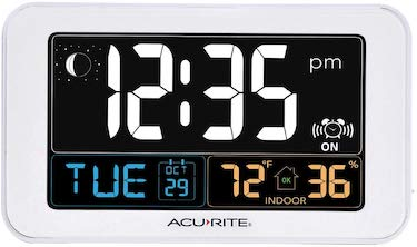 Acurite intelli time alarm clock with usb charger, indoor temperature and humidity