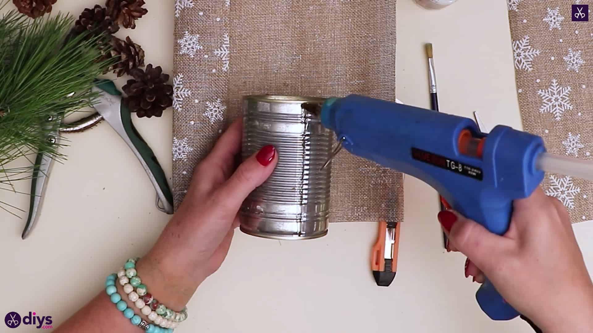 Christmas tree table decoration glue burlap