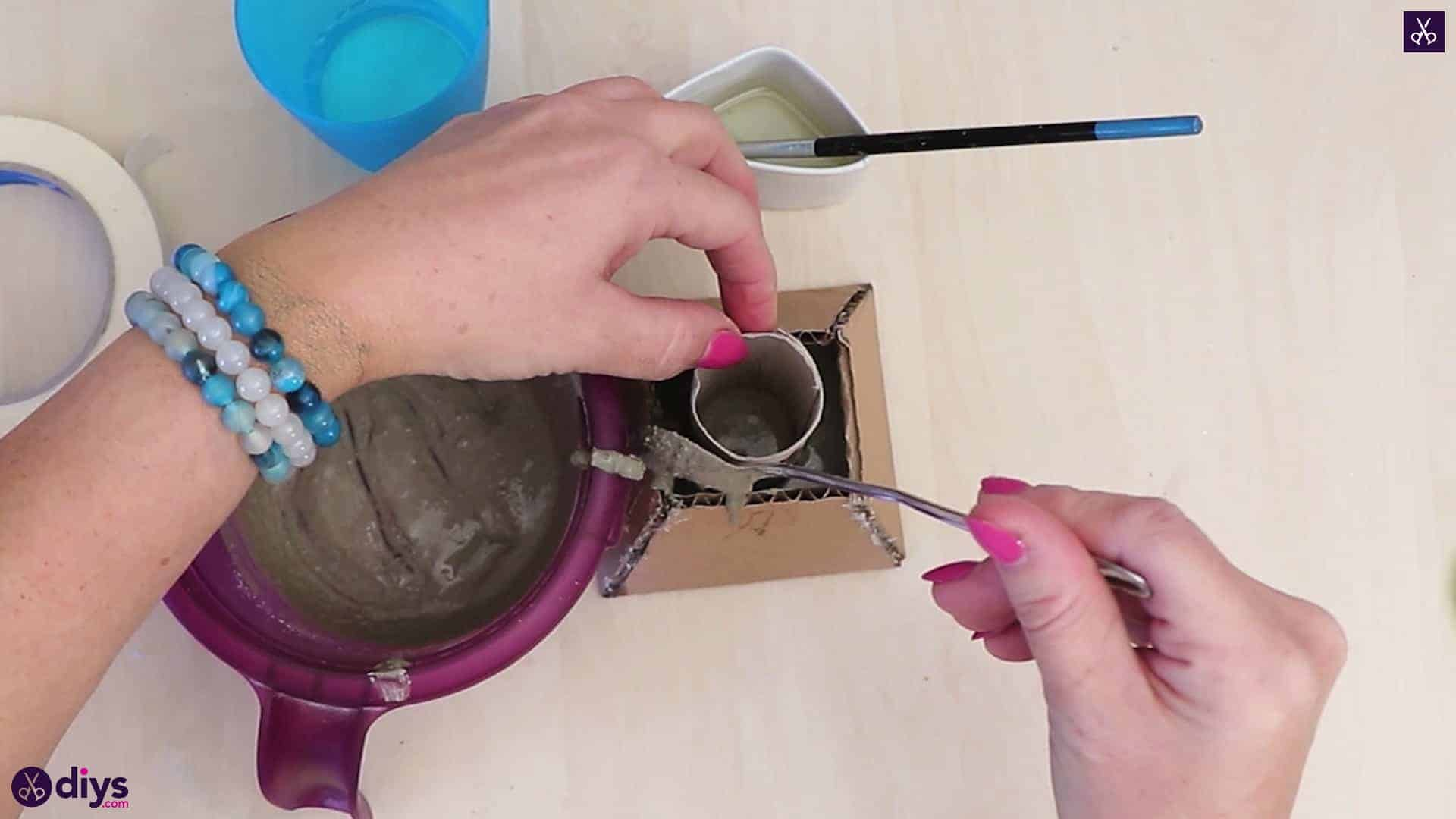 Concrete hair clip container step pouring concrete