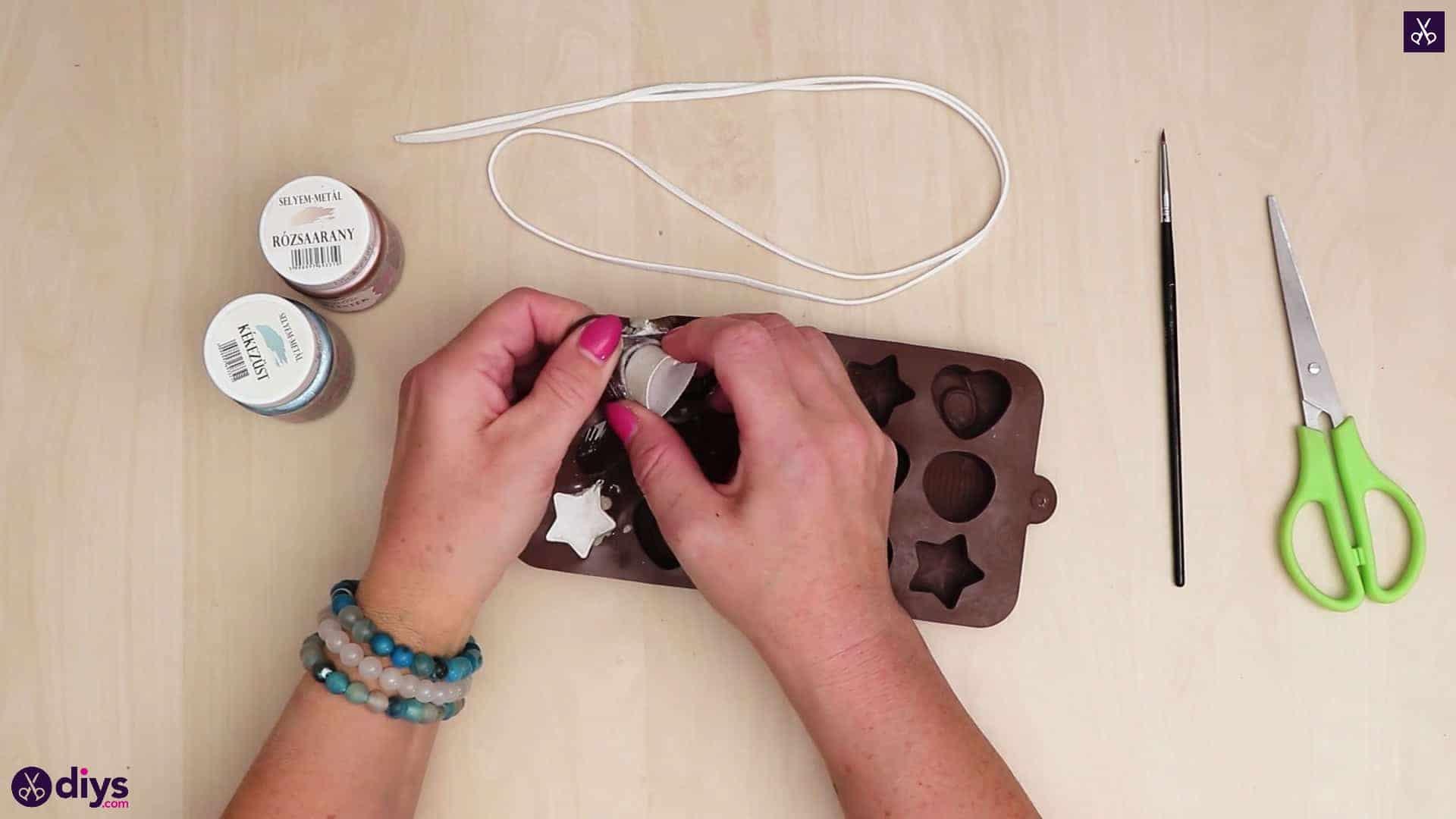 Concrete heart and star necklace prepare