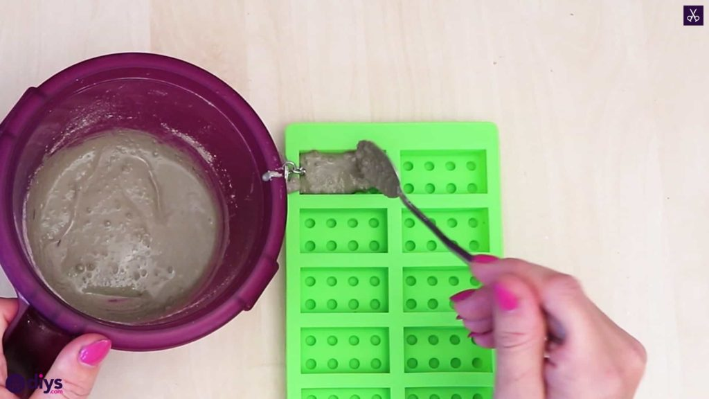 Concrete lego block keychain pour