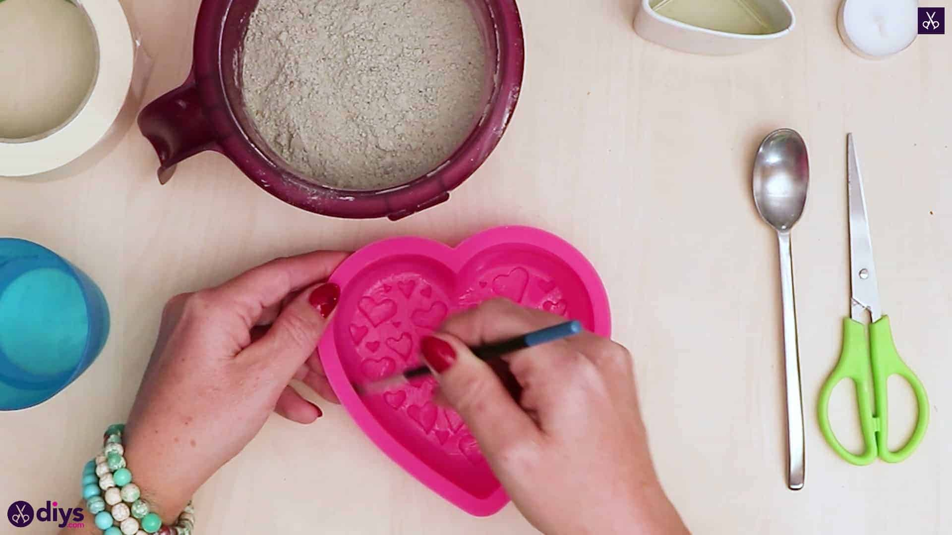 Diy concrete heart candle holder add oil