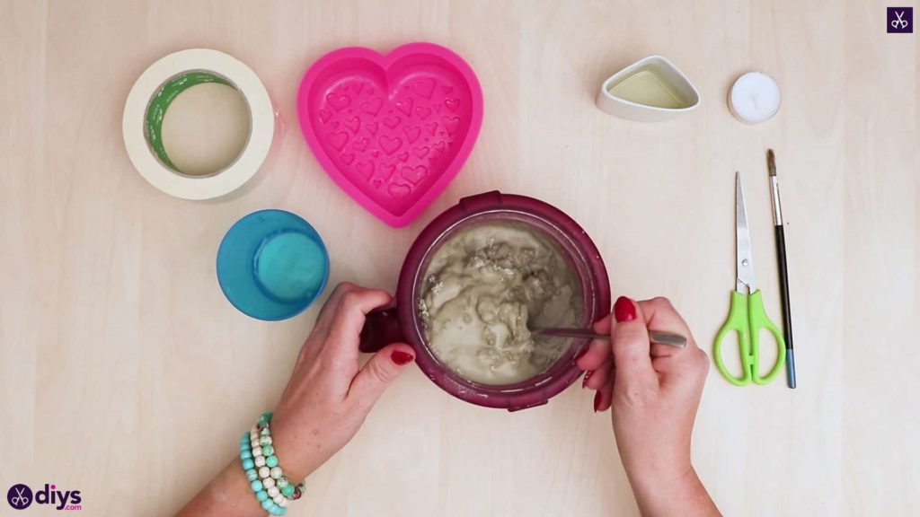 Diy concrete heart candle holder mixing