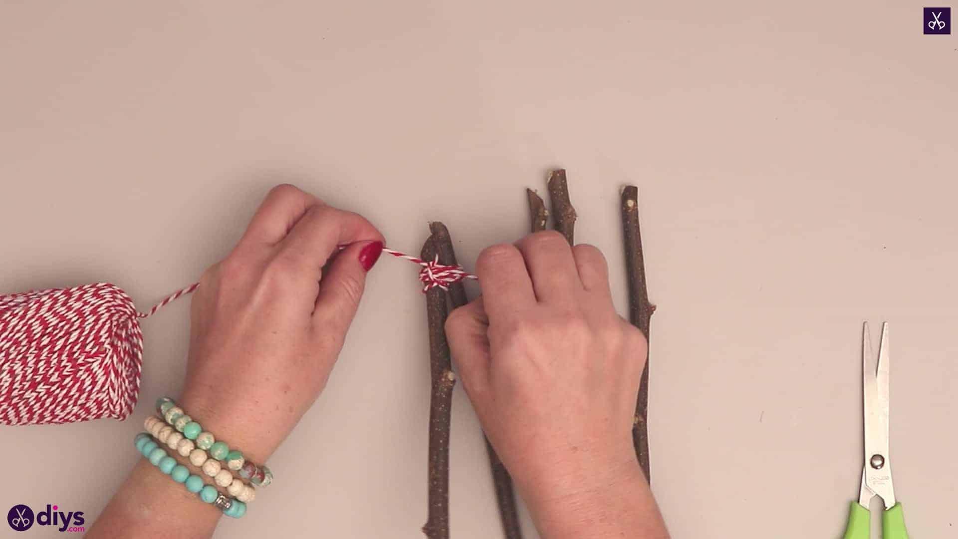 Diy twig star craft stong knot