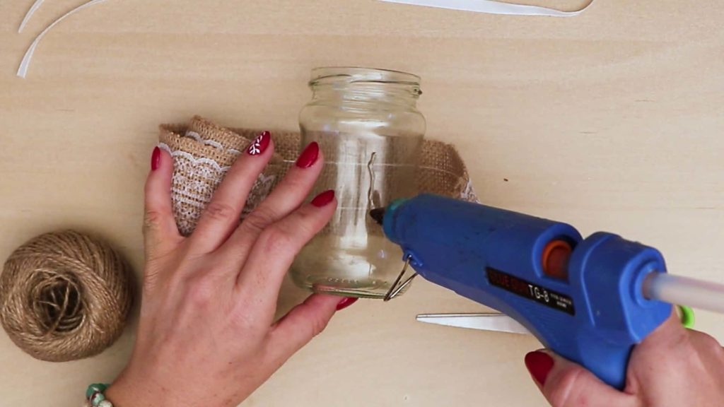 Diy vintage mason jar craft glue
