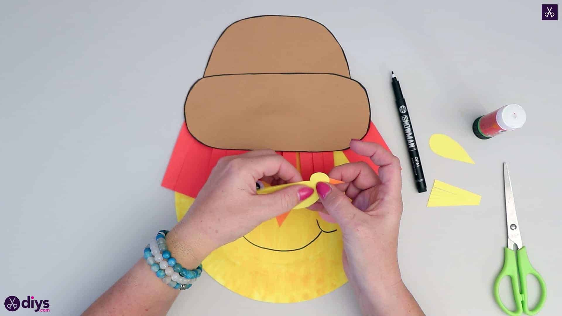 Paper plate scarecrow crafts
