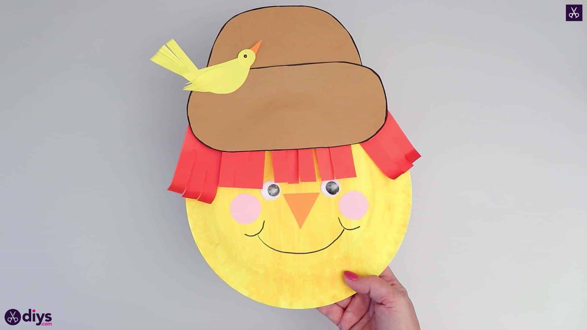 Paper plate scarecrow hat
