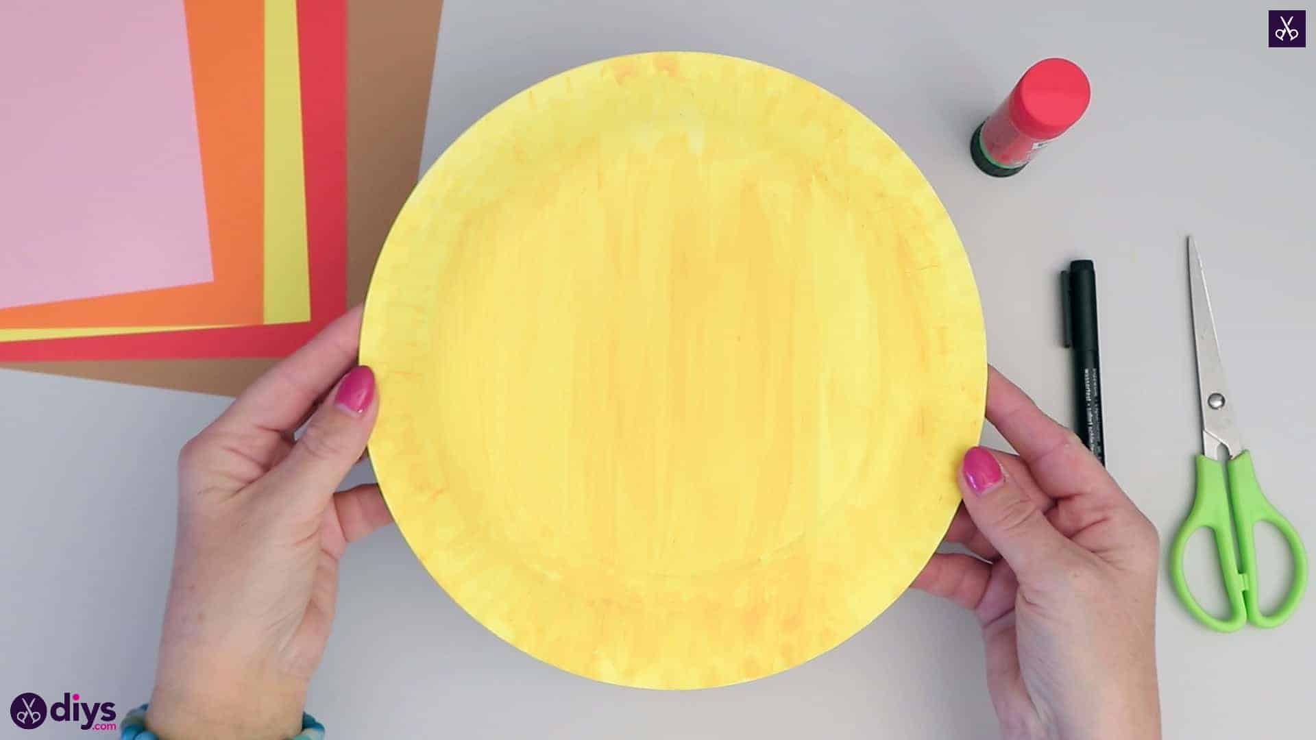 Paper plate scarecrow yellow