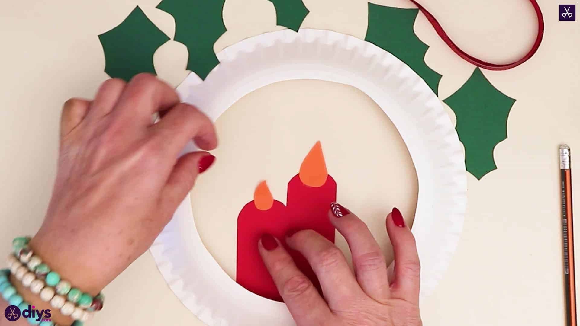 Paper plate wreath with a candle press 1