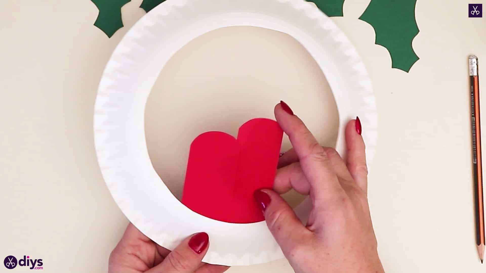 Paper plate wreath with a candle step 6b