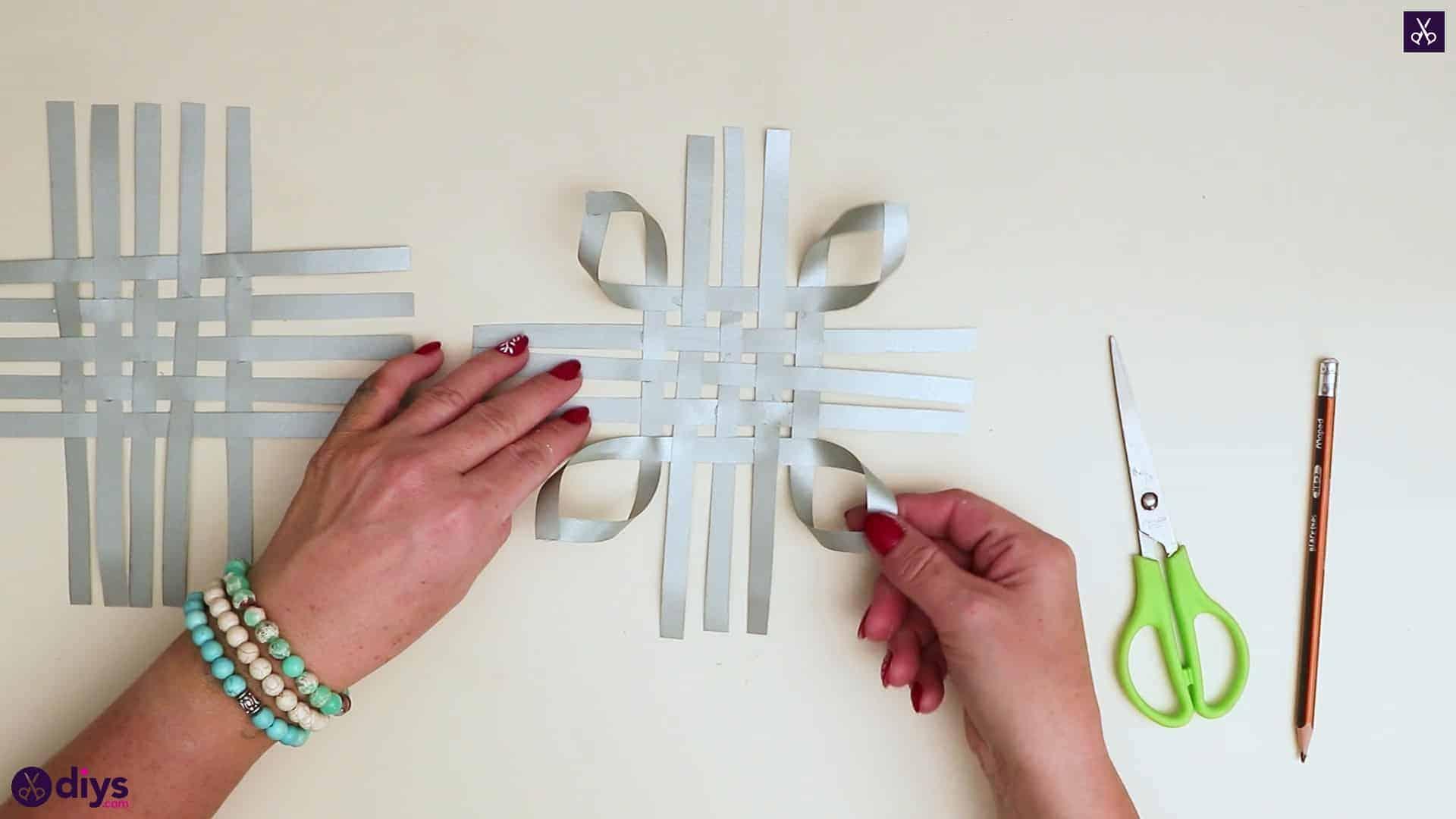 Paper star ornament bows