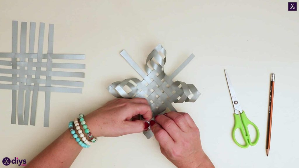 Paper star ornament format