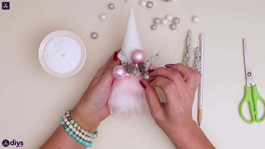 Pastel christmas centrepiece glue pink