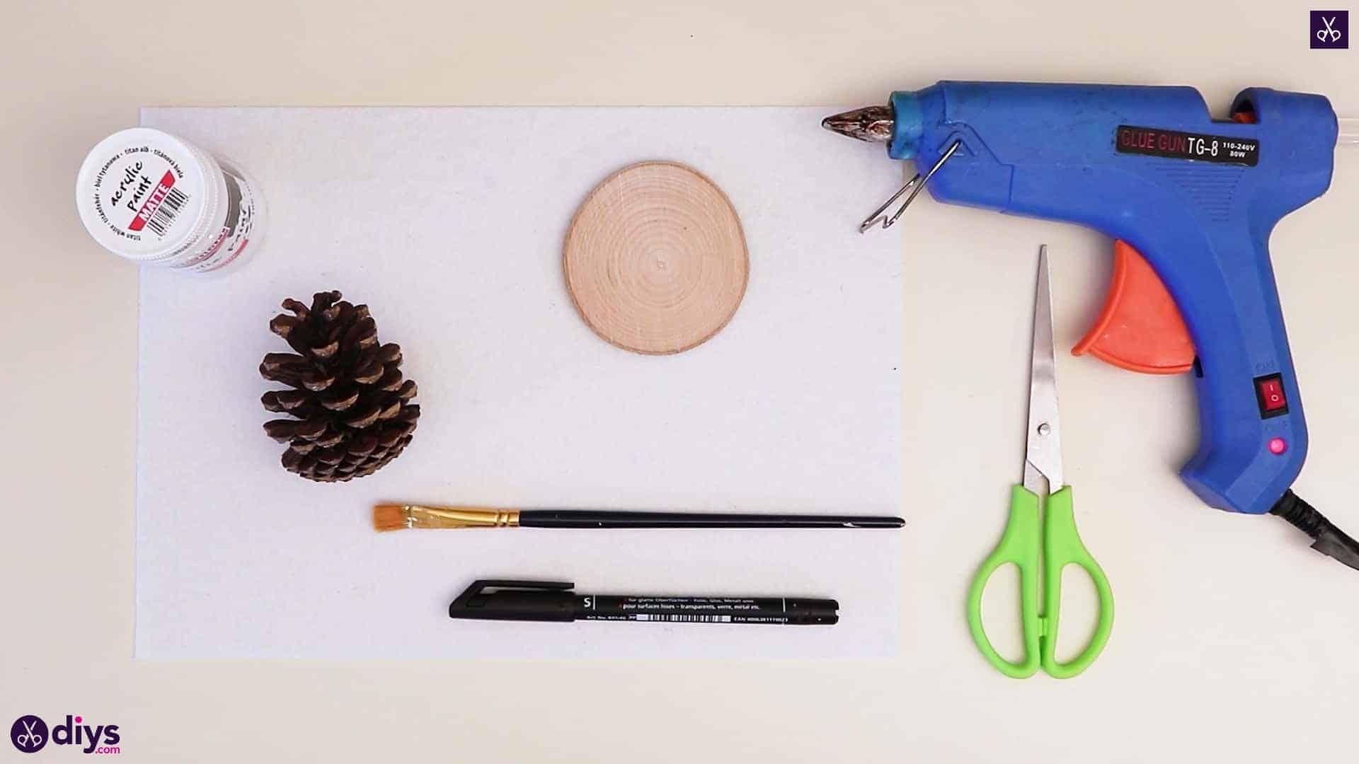 Pinecone christmas tree materials