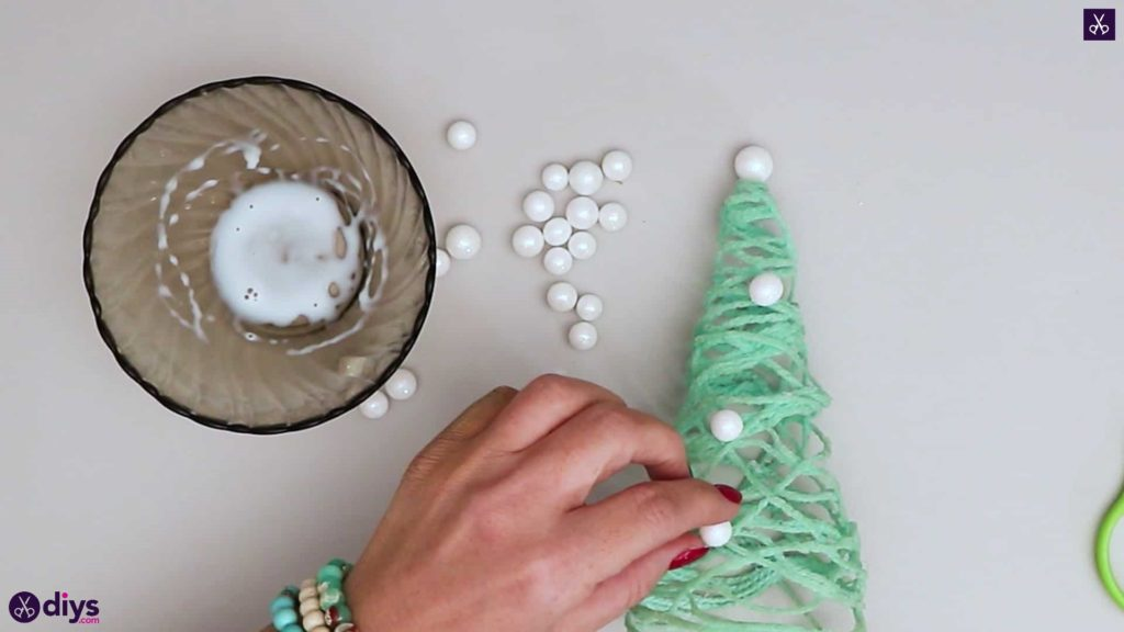 String art christmas tree for kids