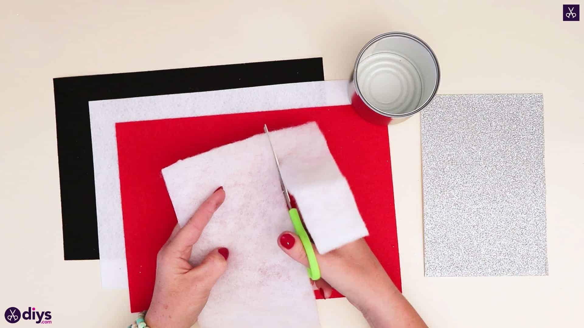 Tin can santa candy holder cutting process1