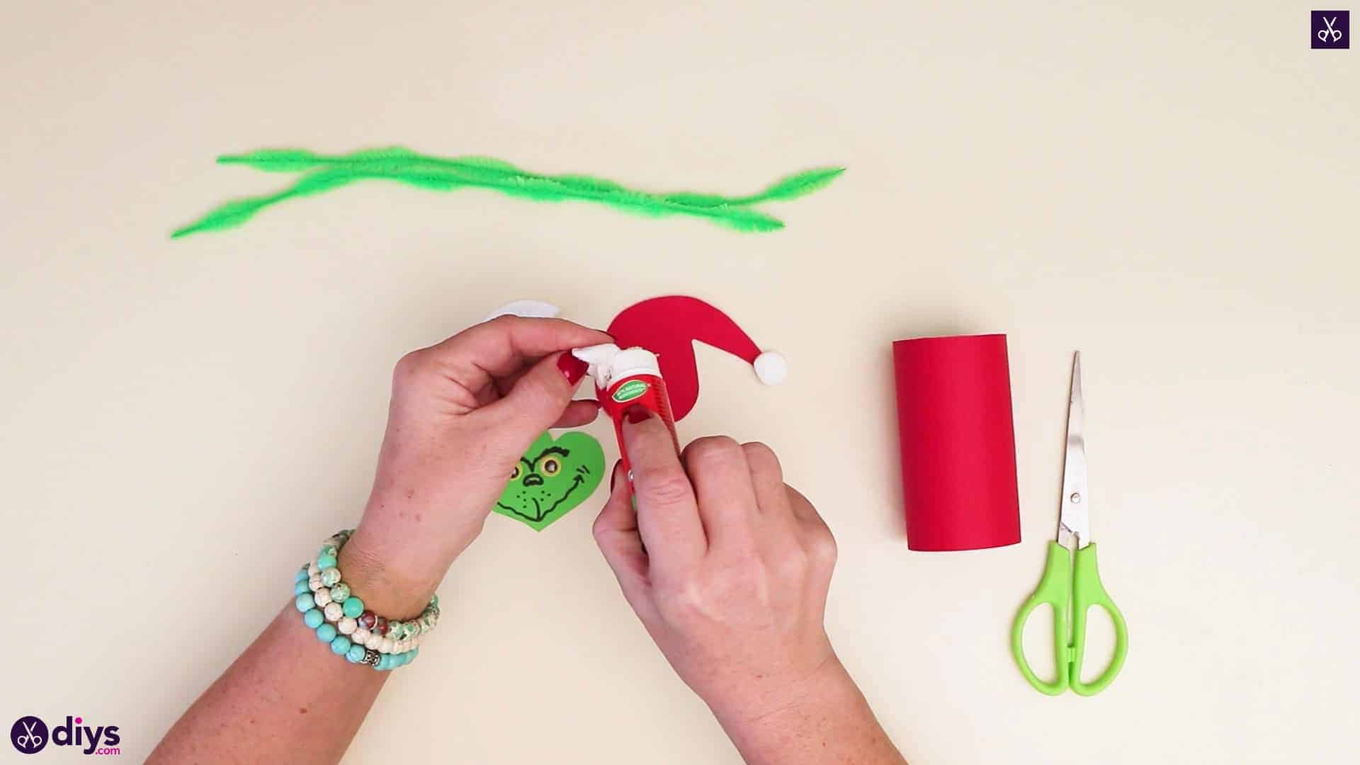 Toilet paper roll grinch step 8b
