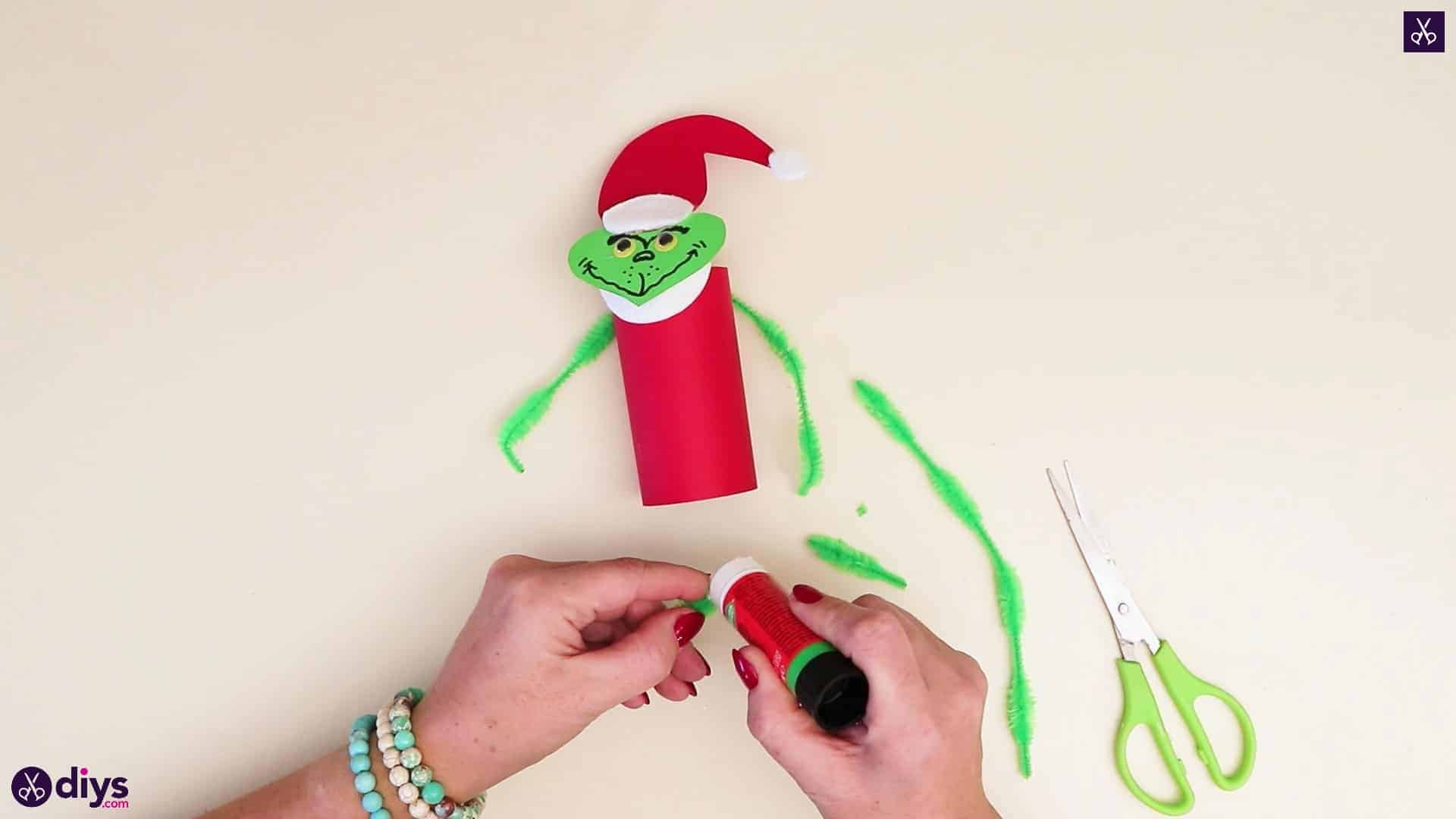 Toilet paper roll grinch tp[