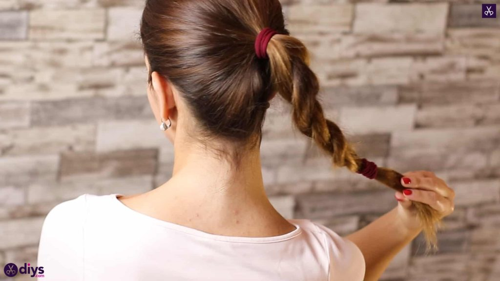 3 easy ponytails for everyday wear tutorial 3