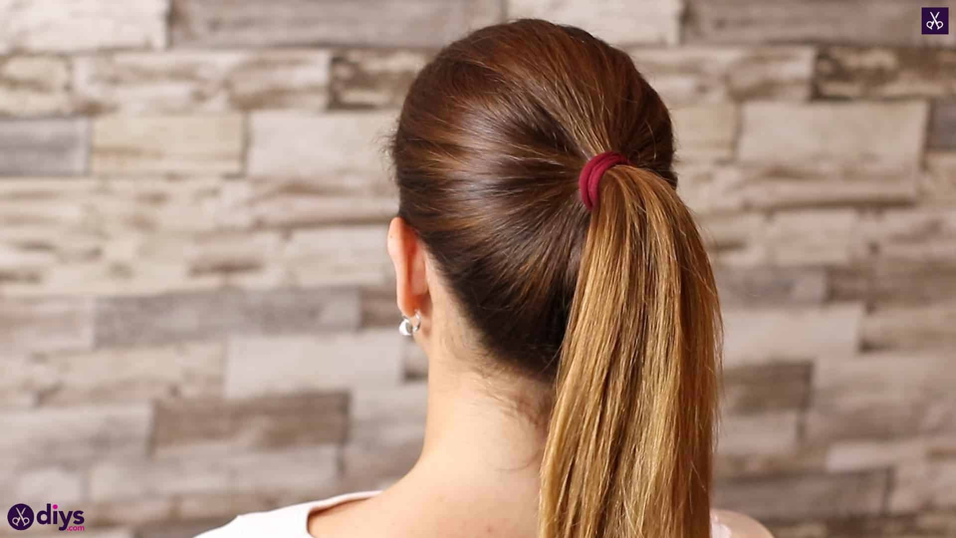 3 easy ponytails for everyday wear tutorial step 1b