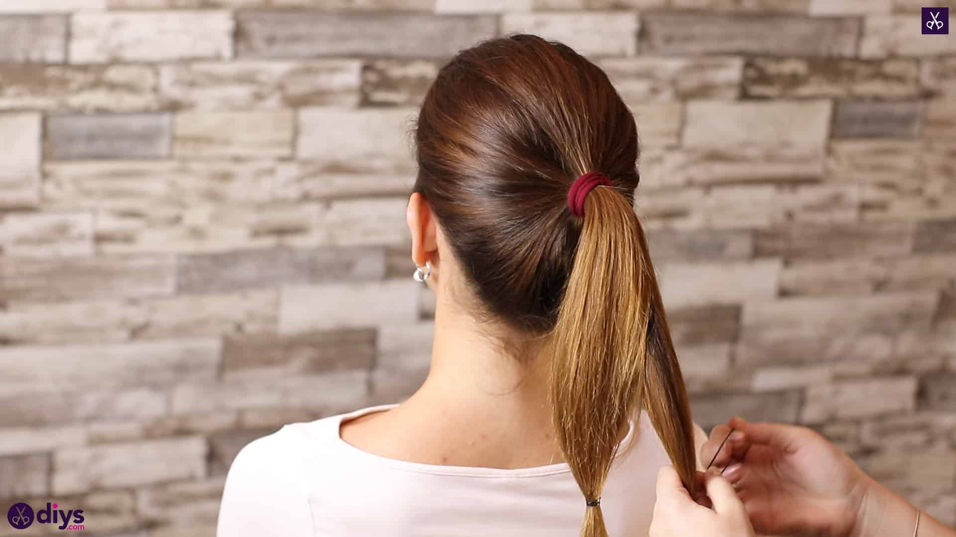3 easy ponytails for everyday wear tutorial step 2b