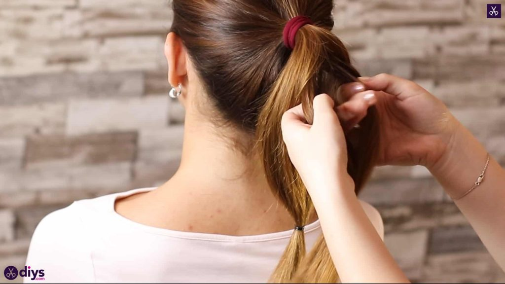 3 easy ponytails for everyday wear tutorial step 3a