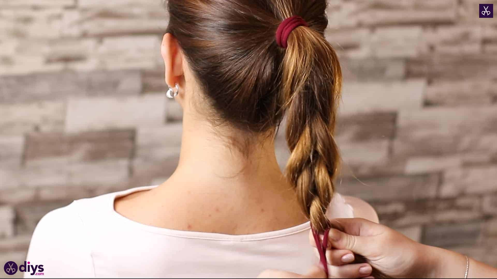 3 easy ponytails for everyday wear tutorial step 4