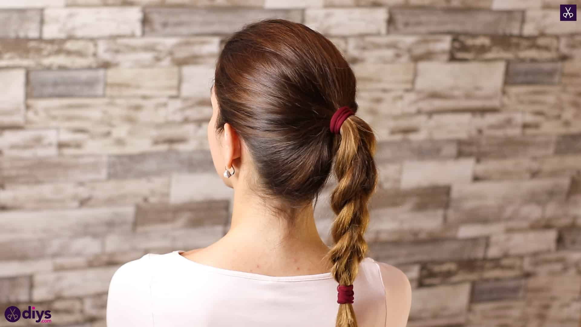 3 easy ponytails for everyday wear tutorial step 4b