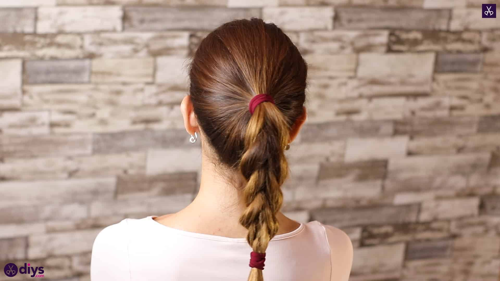 3 easy ponytails for everyday wear tutorial step 4e