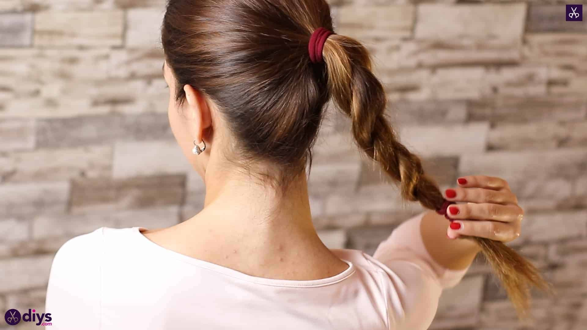 3 easy ponytails for everyday wear tutorial step 4i