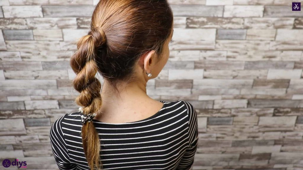 3 easy ponytails for everyday wear twisted ponytail 1