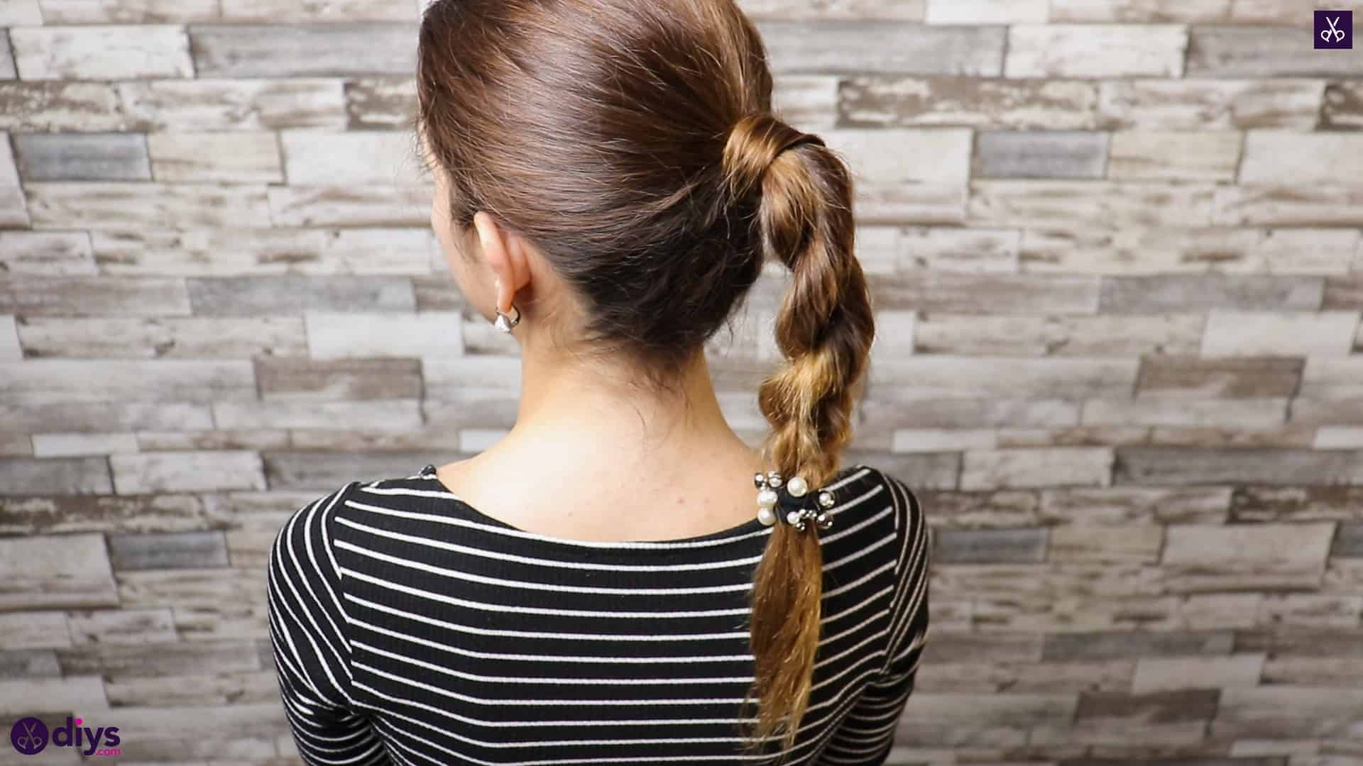 3 easy ponytails for everyday wear twisted ponytail