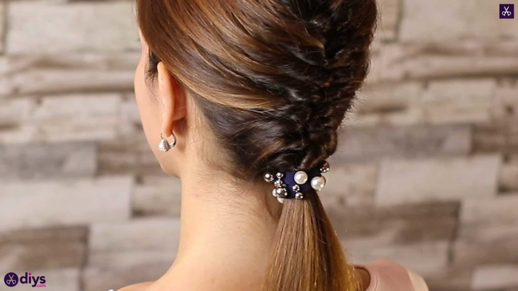 Beautiful and elegant hairstyle tutorial 1