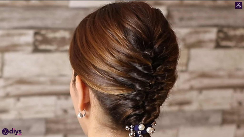 Beautiful and elegant hairstyle tutorial 3