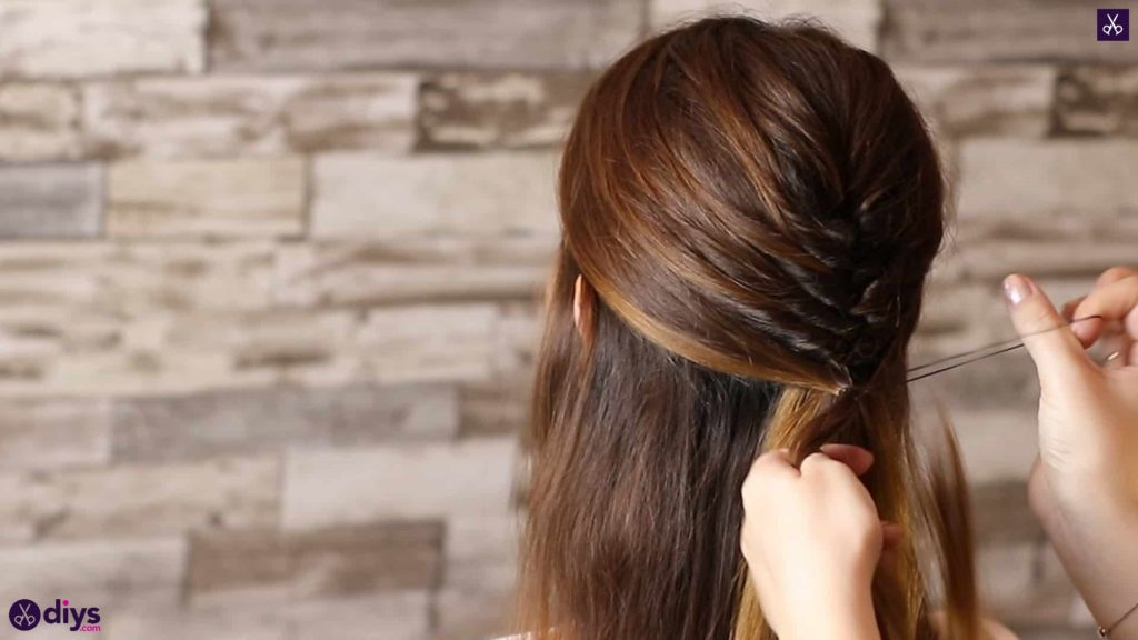Beautiful and elegant hairstyle tutorial 33