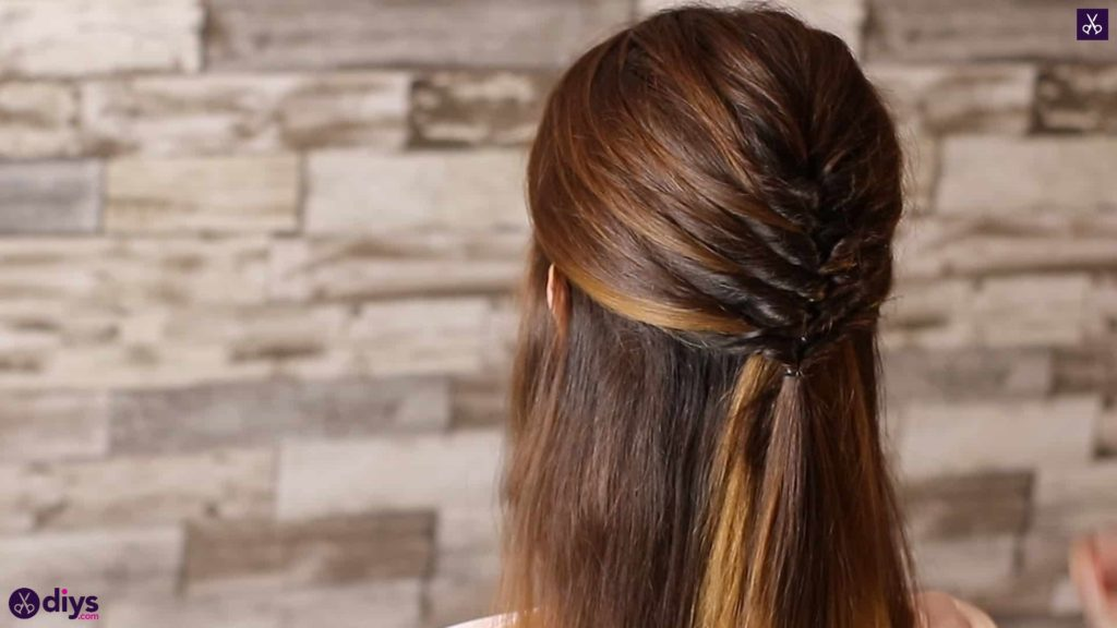 Beautiful and elegant hairstyle tutorial 35