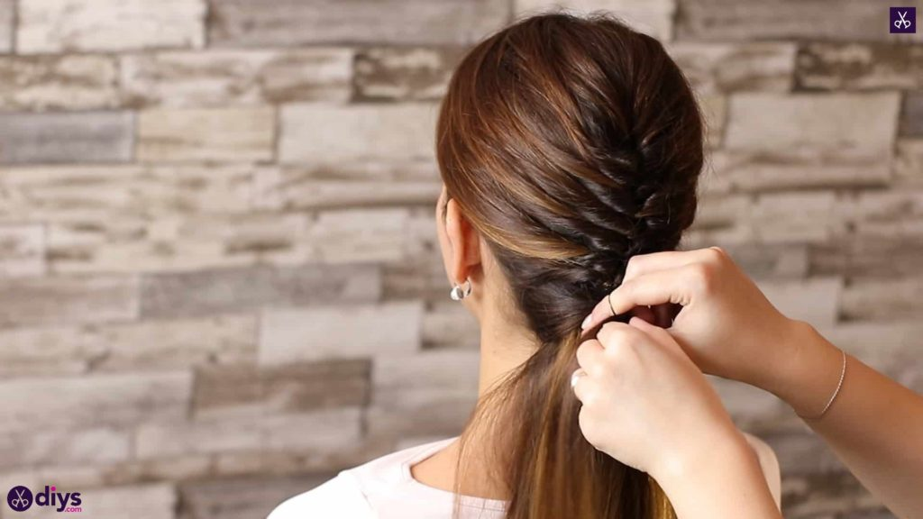 Beautiful and elegant hairstyle tutorial 41